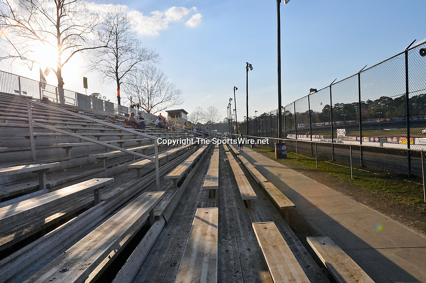 Feb 20, 2014; 5:06:50 PM;  Barberville, FL, USA;  World of Outlaws Late Model Series for 43rd Annual DIRTcar Nationals presented by Summit Racing Equipment at Volusia Speedway Park.  Mandatory Credit: (thesportswire.net)