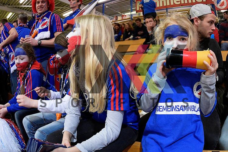 GER - Luebeck, Germany, February 06: Before the 1. Bundesliga Herren indoor hockey semi final match at the Final 4 between Uhlenhorst Muelheim (white) and Mannheimer HC (blue) on February 6, 2016 at Hansehalle Luebeck in Luebeck, Germany. <br /> <br /> Foto &copy; PIX-Sportfotos *** Foto ist honorarpflichtig! *** Auf Anfrage in hoeherer Qualitaet/Aufloesung. Belegexemplar erbeten. Veroeffentlichung ausschliesslich fuer journalistisch-publizistische Zwecke. For editorial use only.