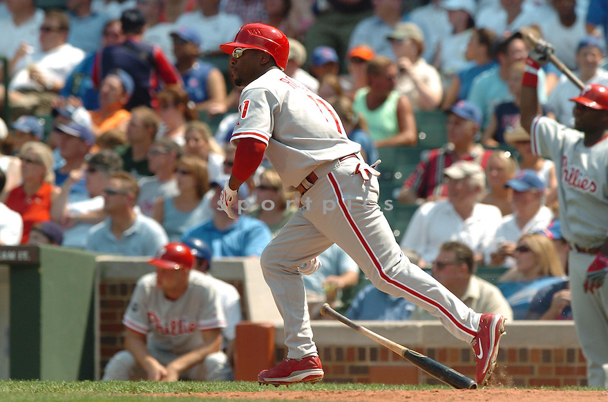 JIMMY ROLLINS, of the Philadelphia Phillies, in action during the Phillies game against the Chicago Cubs in Chicago, IL on August 2, 2007...Mets win 8-3....DAVID DUROCHIK / SPORTPICS...