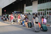 SAO PAULO, SP, 26.01.2014 - CAMPUS PARTY - Campuzeiro comecam a chegar ao Campus Party Brasil, evento que chega a sua sétima edição, no Anhembi, na zona norte de São Paulo. Cerca de 160 mil visitantes são esperados pelos organizados, de 27 de janeiro a 2 de fevereiro.( Foto: Vanessa Carvalho / Brazil Photo Press).
