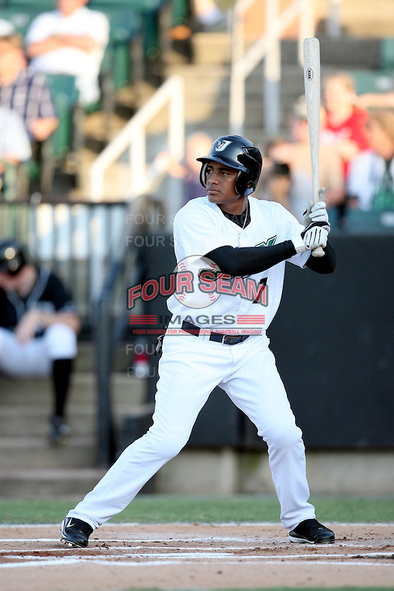 July 2, 2009: West Tennessee Diamond Jaxx outfielder Ezequiel Carrera (7) at Pringles Park in Jackson, TN. The Diamond Jaxx are the Southern League AA affiliate of the Atlanta Braves. Photo by: Chris Proctor/Four Seam Images