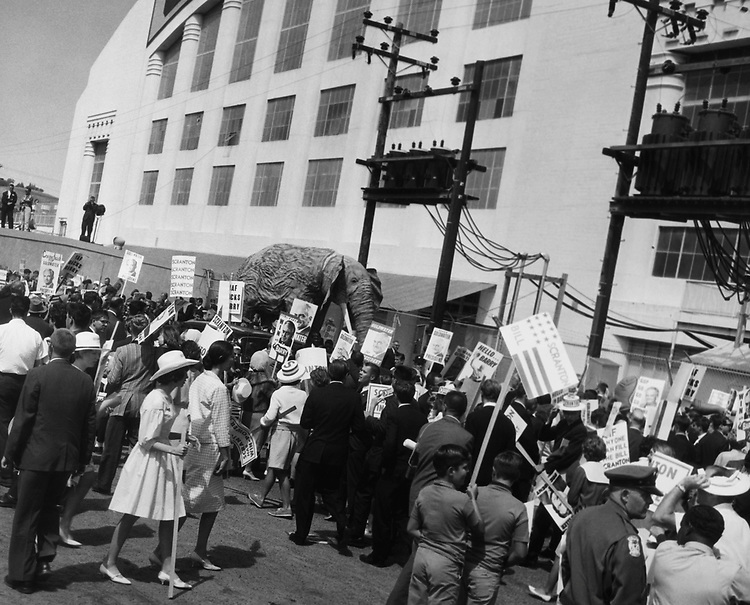 Sen. Barry Goldwater demonstrators map out side of cornpalace. (Photo by CQ Roll Call via Getty Images)