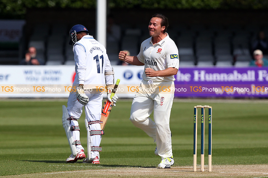 Graham Napier of Essex celebrates the vital wicket of Shivnarine Chanderpaul - Essex CCC vs Derbyshire CCC - LV County Championship Division Two Cricket at the Essex County Ground, Chelmsford - 16/04/14 - MANDATORY CREDIT: Gavin Ellis/TGSPHOTO - Self billing applies where appropriate - 0845 094 6026 - contact@tgsphoto.co.uk - NO UNPAID USE