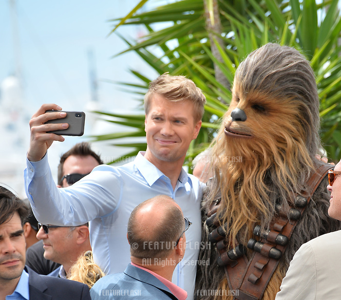 Joonas Suotamo &amp; Chewbacca at the photocall for &quot;Solo: A Star Wars Story&quot; at the 71st Festival de Cannes, Cannes, France 15 May 2018<br /> Picture: Paul Smith/Featureflash/SilverHub 0208 004 5359 sales@silverhubmedia.com
