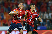 MEDELLÍN -COLOMBIA-13-05-2017: Luis C Arias (Izq) jugador del Medellín celebra después de anotar un gol al America durante el encuentro entre Independiente Medellín y America de Cali por la fecha 18 de la Liga Águila I 2017 jugado en el estadio Atanasio Girardot de la ciudad de Medellín. / Luis C Arias (L) player of Medellin celebrates after scoring a goal to America during match between Independiente Medellin and America de Cali for date 18 of the Aguila League I 2017 at Atanasio Girardot stadium in Medellin city. Photo: VizzorImage/ León Monsalve / Cont