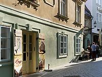 Restaurant Krcma na Zelenej in der Zelena, Bratislava, Bratislavsky kraj, Slowakei, Europa<br /> Restaurant Krcma na Zelenej in Zelena St., Bratislava, Bratislavsky kraj, Slovakia, Europe