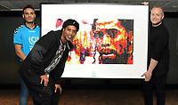NOV 14 Ronaldinho Portrait Photocall