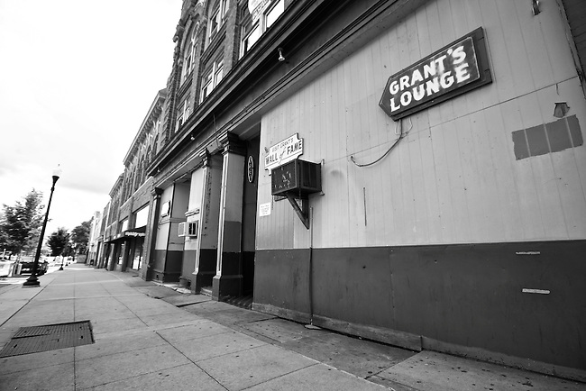 Grant's Lounge at 576 Poplar St., Macon, Ga. Opened in 1971, Grant's was one of the first black-owned nightclubs in Macon and one of the few places in town where blacks and whites mixed socially at the time. Because of the club's association with nearby Capricorn Records, many famous Southern Rock acts played here in the early 1970s, and hundreds of musicians flocked to Grant's from around the country hoping to get discovered. More than 40 years later, Grant's is still open for business. May 25, 2009.