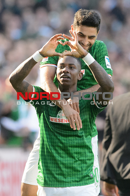 29.09.2013, Weser Stadion, Bremen, GER, 1.FBL, Werder Bremen vs 1. FC Nuernberg, im Bild<br /> <br /> 2 zu 0 Eljero Elia (Bremen #11 Jubel mit Mehmet Ekici (Bremen #10)<br /> <br /> Foto &not;&copy; nph / Kokenge *** Local Caption ***