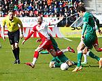 Nederland, Utrecht, 23 februari 2014<br /> Eredivisie<br /> Seizoen 2013-2014<br /> FC Utrecht-FC Groningen<br /> Steve De Ridder (l.) van FC Utrecht en Krisztian Adorjan van FC Groningen strijden om de bal.