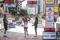 SAO PAULO, SP, 31.12.2013 - 89 CORRIDA DE SAO SILVESTRE -  A maratonista queniana Nancy Jepkosgei Kipron vence a Corrida Internacional de São Silvestre 89 ao longo da Avenida Paulista em São Paulo, em 31 de dezembro de 2013. Com participação recorde de 27.500 atletas, de 41 países o evento tradicional da véspera de Ano Novo. (Foto: William Volcov / Brazil Photo Press).