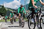 04.07.2019, Parkstadion, Zell am Ziller, AUT, TL Werder Bremen Zell am Ziller / Zillertal Tag 00<br /> <br /> im Bild<br /> Niklas Wiemann (Werder Bremen II #03) auf Fahrrad, <br /> beim ersten Training der Spieler im Zillertal 2019, <br /> <br /> Foto © nordphoto / Ewert