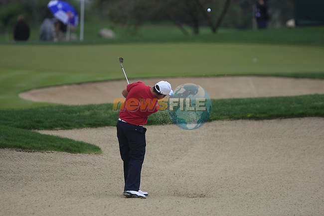 Damien McGrane plays his 2nd shot from a fairway bunker on the 8th hole during Day 2 Friday of the Abu Dhabi HSBC Golf Championship, 21st January 2011..(Picture Eoin Clarke/www.golffile.ie)