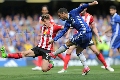 May 21st 2017, Stamford Bridge, Chelsea, London,  England;  EPL Premier league football, Chelsea FC versus Sunderland; Eden Hazard of Chelsea shoots to score his sides 2nd goal in the 59th minute to make it 2-1