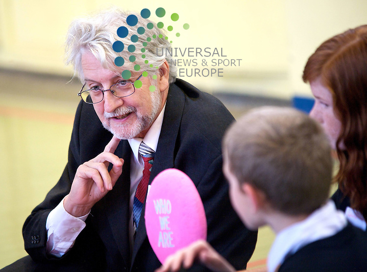 Prof Lothar Krappmann, UN representative on Rights of Children,at St Mary's Primary Leith Edinburgh, to launch the Scottish Government's action plan on children's rights 01/09/09.Picture By Colin Robertson /Universal News And Sport (Scotland)