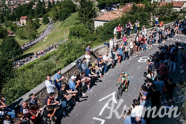 up the steepest section towards the Citt&agrave; Alta in Bergamo<br /> <br /> Stage 15: Valdengo &rsaquo; Bergamo (199km)<br /> 100th Giro d'Italia 2017