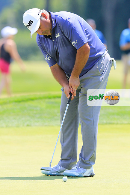 Angel Cabrera (ARG) on the 9th green during Wednesday's Practice Day of the 2016 U.S. Open Championship held at Oakmont Country Club, Oakmont, Pittsburgh, Pennsylvania, United States of America. 15th June 2016.<br /> Picture: Eoin Clarke | Golffile<br /> <br /> <br /> All photos usage must carry mandatory copyright credit (&copy; Golffile | Eoin Clarke)