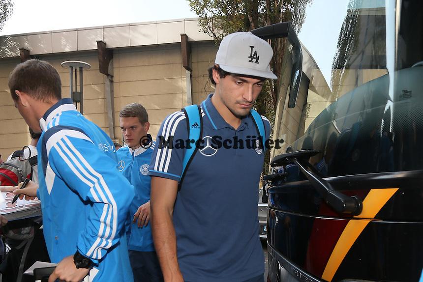 Mats Hummels - Ankunft der Deutschen Nationalmannschaft in Warschau