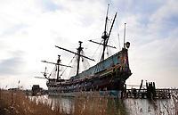 Nederland Lelystad -  Januari 2018. Schip de Batavia in Lelystad. De masten van het schip zijn niet meer compleet. Zie foto van het schip uit 2010.   Foto Berlinda van Dam / Hollandse Hoogte