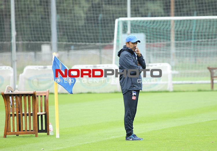 27.08.2013, Sportpark, Berlin, GER, 1.FBL, Hertha BSC , Training, im Bild Cheftrainer (Head Coach) Jos Luhukay (Hertha BSC Berlin)<br /> <br />               <br /> Foto &copy; nph /  Schulz
