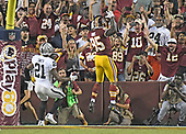 Washington Redskins tight end Vernon Davis (85) celebrates his touchdown catch in the second quarter against the Oakland Raiders at FedEx Field in Landover, Maryland on Sunday, September 24, 2017.  The Redskins won the game 27-10.<br /> Credit: Ron Sachs / CNP