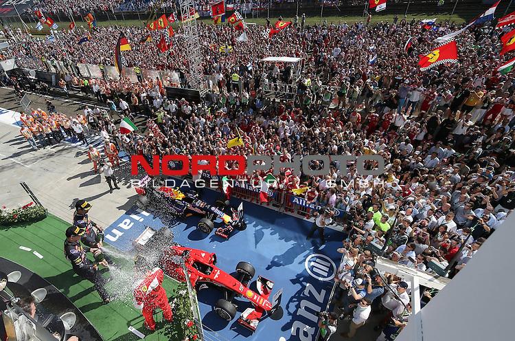 25.-27.07.2015, Hungaroring, Budapest, HUN, F1, Grosser Preis von Ungarn, Hungaroring, im Bild  Sebastian Vettel (GER), Scuderia Ferrari - Daniil Kvyat [RUS], Red Bull Racing - Daniel Ricciardo (AUS) Red Bull Racing<br />  Foto &copy; nph / Mathis