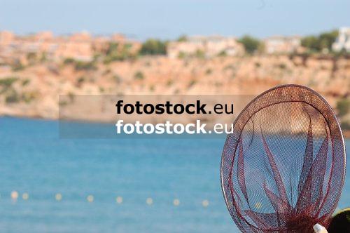 empty fishing net<br /> red de pesca vacio<br /> leeres Fischernetz<br /> <br /> 3008 x 2000 px<br /> 150 dpi: 50,94 x 33,87 cm<br /> 300 dpi: 25,47 x 16,93 cm