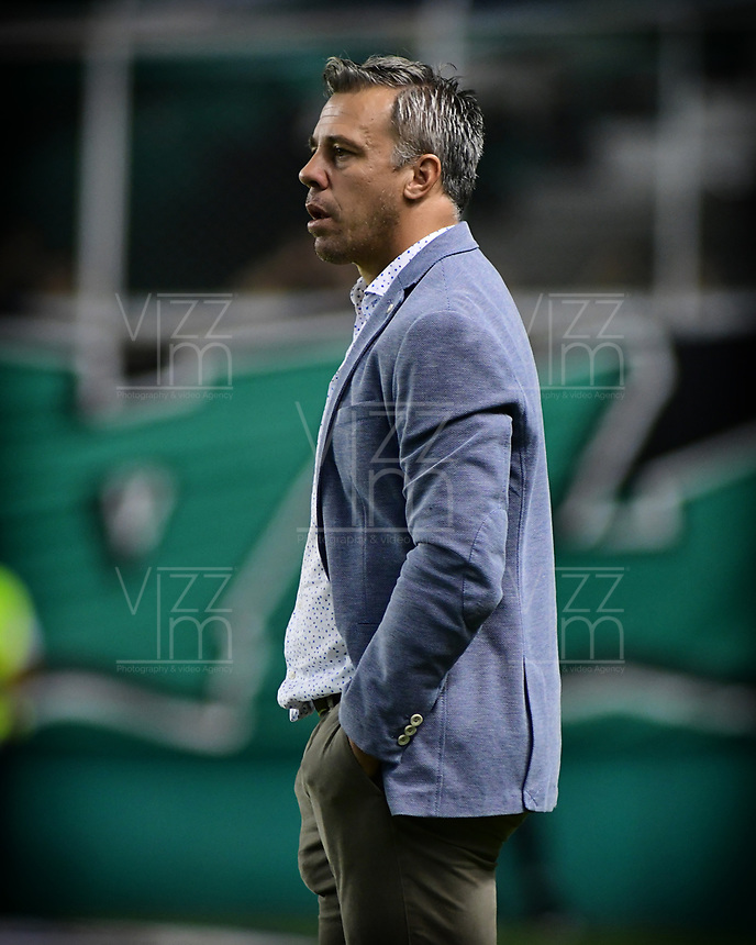 PALMIRA - COLOMBIA, 20-07-2019: Lucas Pusineri técnico del Cali gesticula durante partido entre Deportivo Cali y Jaguares de Córdoba por la fecha 2 de la Liga Águila II 2019 jugado en el estadio Deportivo Cali de la ciudad de Palmira. / Lucas Pusineri coach of Cali gestures during match between Deportivo Cali and Jaguares de Cordoba for the date 2 as part Aguila League II 2019 played at Deportivo Cali stadium in Palmira city. Photo: VizzorImage / Nelson Rios / Cont