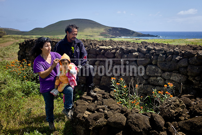 Rapa Nui, Easter island, oct 2011. Kacho Icka Pakarati muestra los trabajos arqueologicos que junto a su mujer Viki Contreras han restructurado a lo largo de 6 a&ntilde;os. entre el 2000 y el 2006 han reesctrucurado mas de 300 antiguas esctructuras sin el ayuda de nadie. In Rapa Nui, also called Easter Island, the  king of the original people is back after a hundred years RirorokoTuki Valentino, the new monarch, is  an old man who has made his living as a farmer and fisherman and  traveled the world as a ship&acute;s stowaways . <br />