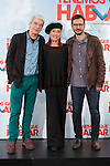 Actors Veronica Forque, Oscar Ladoire (L) and movie director David Serrano pose during `Tenemos que hablar´ film presentation in Madrid, Spain. February 24, 2016. (ALTERPHOTOS/Victor Blanco)