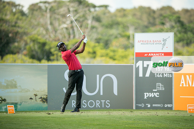 S Chikkarangappa (IND) on the 17th tee during the 3rd round of the AfrAsia Bank Mauritius Open, Four Seasons Golf Club Mauritius at Anahita, Beau Champ, Mauritius. 01/12/2018<br /> Picture: Golffile | Mark Sampson<br /> <br /> <br /> All photo usage must carry mandatory copyright credit (&copy; Golffile | Mark Sampson)