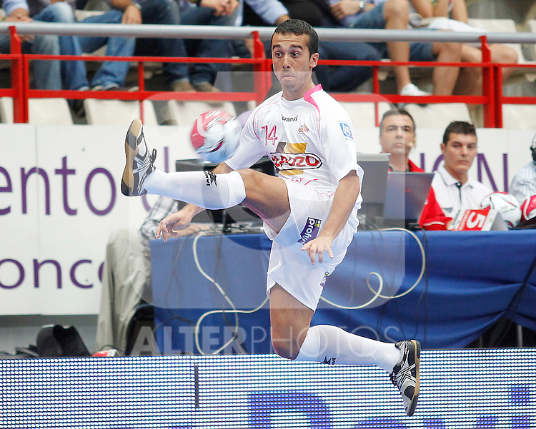 El Pozo Murcia's Adri Martinez during Spanish Futsal Supercup Semifinal match.September 3,2011. (ALTERPHOTOS/Acero)