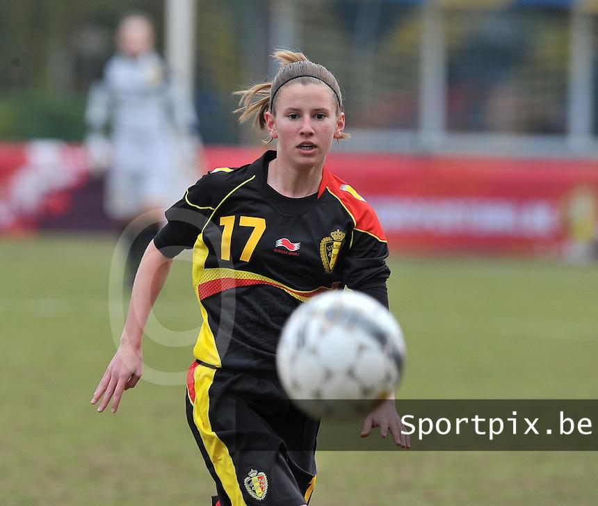 Denmark U17 - Belgium U17 : Chloe Van Mingeroet.foto DAVID CATRY / Vrouwenteam.be