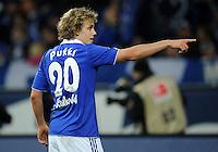 FUSSBALL   1. BUNDESLIGA   SAISON 2011/2012    15. SPIELTAG FC Schalke 04 - FC Augsburg            04.12.2011 Teemu PUKKI (FC Schalke 04)