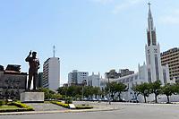 MOZAMBIQUE, Maputo, memorial for Samora Moisés Machel 1933-1986 , since 1970 leader of FRELIMO the movement for independance and first president of Mozambique 1975-1986 and  / MOSAMBIK, Maputo, Denkmal fuer Samora Moisés Machel war ab 1970 Praesident der mosambikanischen nationalen Befreiungsbewegung FRELIMO und von 1975 bis 1986 der erste Praesident der Volksrepublik Mosambik