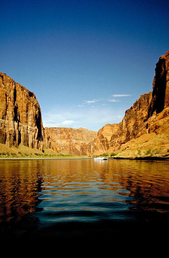 Smooth water rafting on the Colorado River through Glen Canyon, northern Arizona. landscape, rock formations, geology, waterways. Glen Canyon, Arizona. Arizona, Glen Canyon.