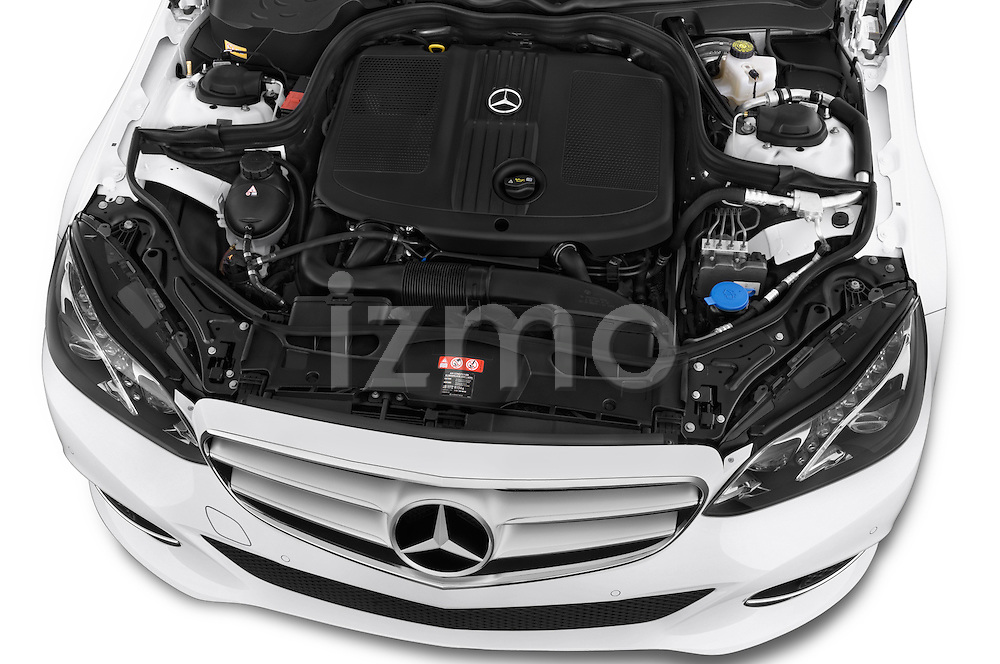 Car Stock 2015 Mercedes Benz Classe E E220 4 Door Sedan 2WD Engine high angle detail view