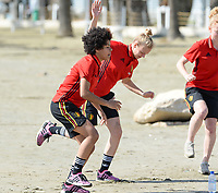 20180302 - LARNACA , CYPRUS :  Belgian Kassandra Missipo and Sarah Wijnants (middle) pictured during a Muscular warm up training session on the beach before a women's soccer game between The Belgian Red Flames and Spain , on friday 2 March 2018 on the CTO Beach in Larnaca , Cyprus . The game will be the second game in group B for Belgium during the Cyprus Womens Cup , a prestigious women soccer tournament as a preparation on the World Cup 2019 qualification duels. PHOTO SPORTPIX.BE | DAVID CATRY