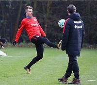 Max Besuschkow (Eintracht Frankfurt) und Trainer Niko Kovac (Eintracht Frankfurt) - 29.12.2017: Eintracht Frankfurt Training, Commerzbank Arena