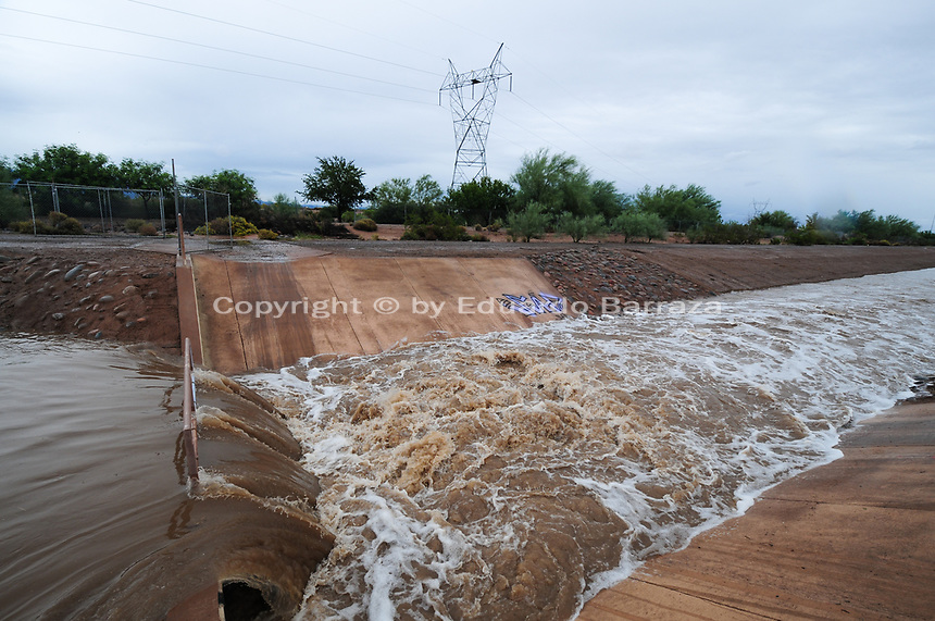 Hurricane Sergio Brings Rain to Phoenix Metro Area