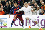 FC Barcelona's Neymar Jr (l) and Real Madrid's Pepe during La Liga match. April 2,2016. (ALTERPHOTOS/Acero)