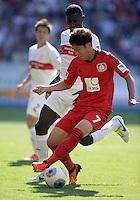 Fussball  1. Bundesliga  Saison 2013/2014  2. Spieltag VfB Stuttgart - Bayer Leverkusen     17.08.2013 Heung-Min Son (vorn, Bayer 04 Leverkusen) gegen Antonio Ruediger (VfB Stuttgart)