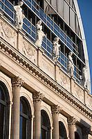 Europe/France/Rhône-Alpes/69/Rhône/Lyon:Façade de  l'opéra de lyon -Achitecte Jean Nouvel- Les muses du Fronton