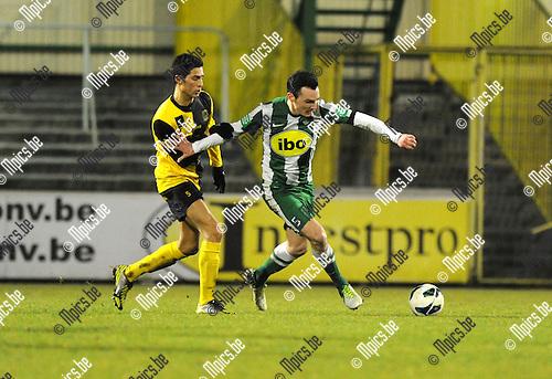 2013-03-09 / Voetbal / seizoen 2012-2013 / Racing Mechelen - Olsa Brakel / Ouissem Zarti met Bert Tuteleers (r, RCM)..Foto: Mpics.be