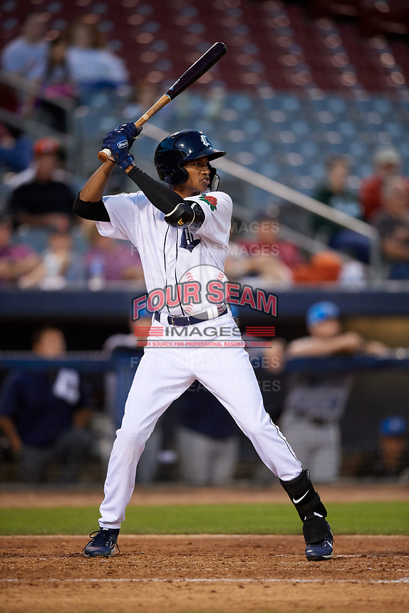 Connecticut Tigers left fielder Eric De La Rosa (19) at bat during a game against the Hudson Valley Renegades on August 20, 2018 at Dodd Stadium in Norwich, Connecticut.  Hudson Valley defeated Connecticut 3-1.  (Mike Janes/Four Seam Images)