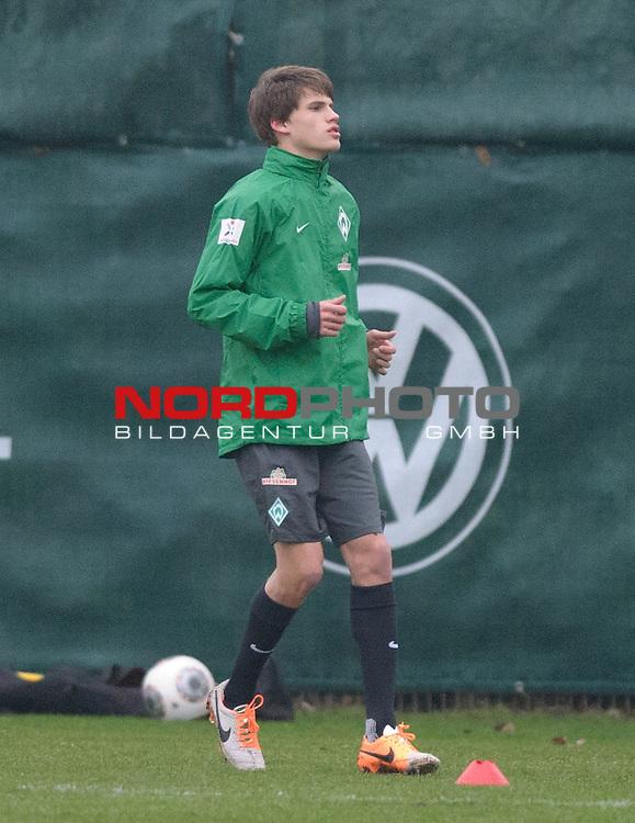 20.01.2014, Trainingsgelaende, Bremen, GER, 1.FBL, Training Werder Bremen, im Bild Luca Zander (Bremen #39)<br /> <br /> Foto &copy; nordphoto / Frisch