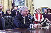 United States President Bill Clinton delivers his weekly radio address from the Oval Office of the White House in Washington, D.C. on March 11, 2000. .Mandatory Credit: David Scull / White House via CNP