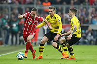 l-r:  - ,  , and Franck Ribery #7 (FC Bayern Muenchen) and Lukasz Piszczek #26 (Borussia Dortmund), Christian Pulisic #22 (Borussia Dortmund), FC Bayern Muenchen vs. Borussia Dortmund, Football, 1.Bundesliga, 31.03.2018 *** Local Caption *** © pixathlon<br /> Contact: +49-40-22 63 02 60 , info@pixathlon.de