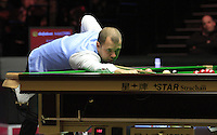Barry Hawkins plays a shot on the black during the Dafabet Masters Quarter Final 1 match between Mark Allen and Barry Hawkins at Alexandra Palace, London, England on 14 January 2016. Photo by Liam Smith / PRiME Media Images