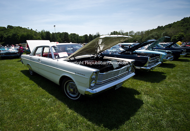 Woodbury, CT-05 June 2011-060511JH01- A pile of Ford Sedan Custom from 1960s are waiting to be judged at the annual antique auto show in Hollow Park Sunday morning in Woodbury.  Junfu Han Republican-American